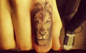 tattoo liontari daxtilo